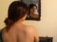 """Love Thy Handles"": Swastika Mukherjee Has Body Positivity All Figured Out"