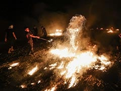 Israel Strikes Gaza After Fire Balloons, Border Clashes