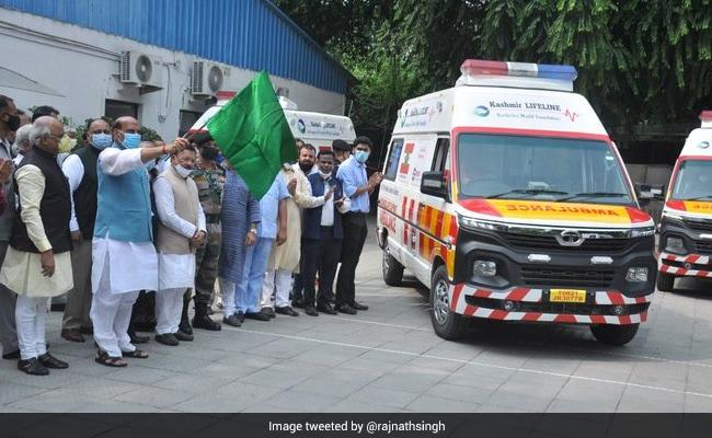 Rajnath Singh Flags Off Army's Fleet Of 5 Trauma Care Ambulances For J&K