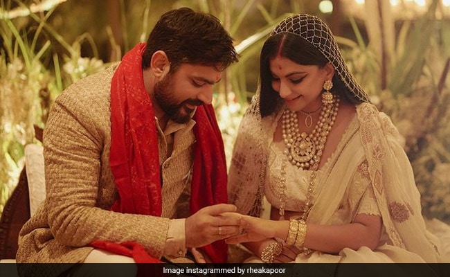 'Had Stomach Flips': Rhea Kapoor Shares First Pic After Marrying Karan Boolani