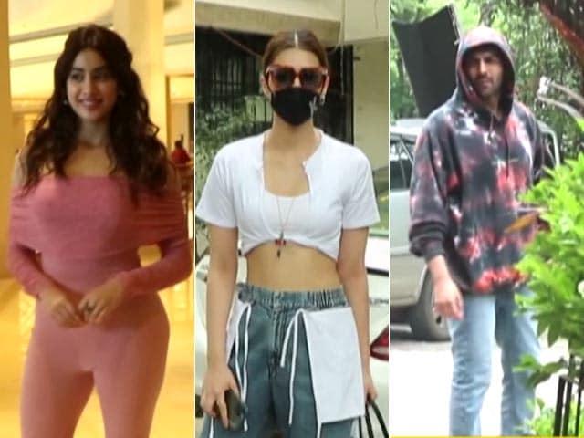Video : Spotted: Janhvi, Kriti And Kartik Aaryan