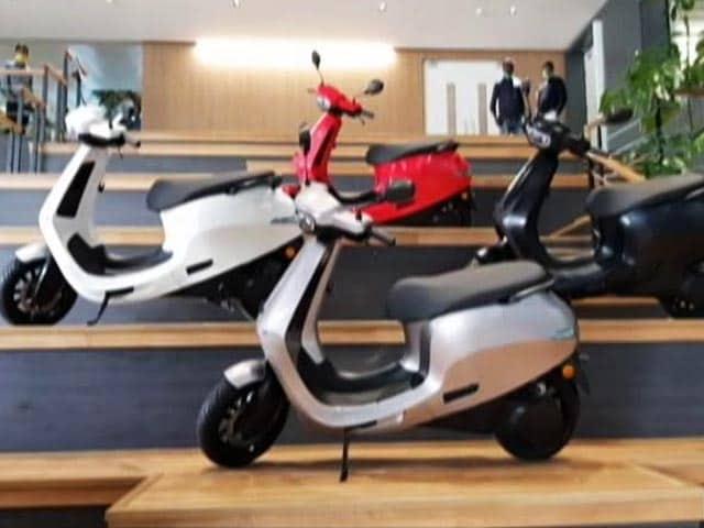 Ola Electric Scooter : Ola S1 और S1 Pro लॉन्च, जानिए क्यों खास है 99,999 से शुरू हो रहा ये स्कूटर