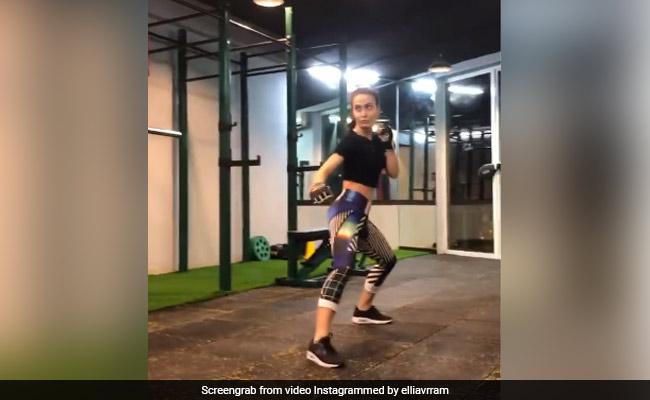 Elli Avram Didi Stunt Like Tiger Shroff Video Viral On Internet – एली अवराम ने धाकड़ अंदाज में किया स्टंट, यूं मारी टाइगर श्रॉफ जैसी किक