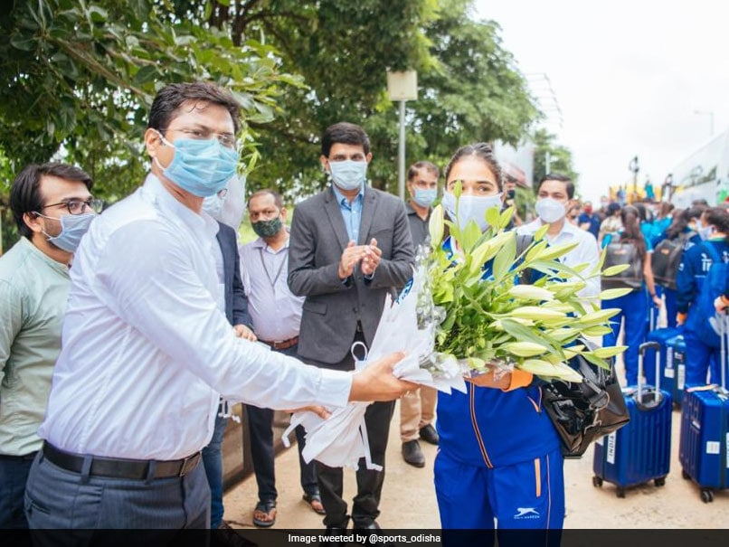 Indian Hockey Team Members Arrive In Odisha To Grand Welcome