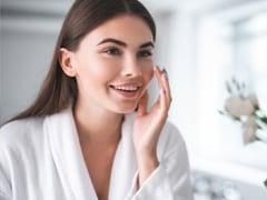 Skin Care Tips: साफ और एक्ने-फ्री स्किन चाहते हैं तो डाइट में आज से ही शामिल करें ये 6 चीजें