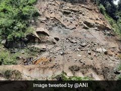 Massive Landslide Halts Traffic On NH-10 In West Bengal's Darjeeling
