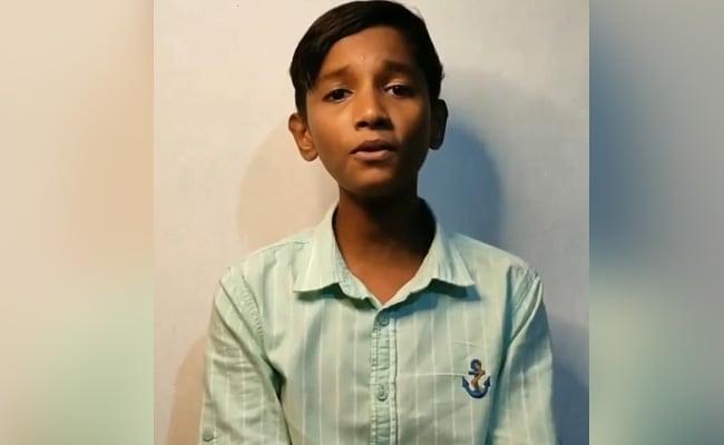 सोशल मीडिया में सहदेव के बचपन का प्यार के बाद अब अजमल का बहारों फूल बरसाओ हो गया है वायरल