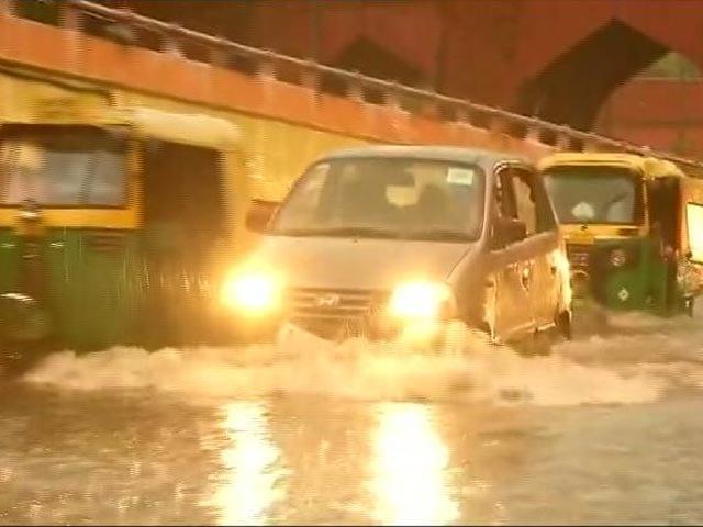 Video : Heavy Rain In Delhi, Yamuna Water Level Nears Danger Mark