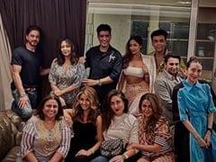 "A ""Perfect Sunday Night"" With Shah Rukh Khan-Gauri, Kareena-Karisma Kapoor, Malaika-Amrita Arora, The Poonawallas, Karan Johar And Manish Malhotra"