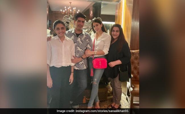 Inside Sara Ali Khan And Amrita Singh's Get-Together With Manish Malhotra