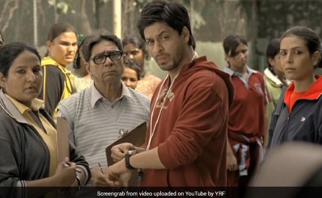 'Gunda Of The Film' Shah Rukh Khan Felt Like Thanking Chak De! India Team And So He Did
