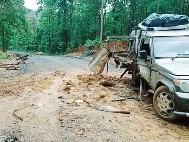 Video : 1 dead, 11 Injured As Maoists Blow Up SUV In Chhattisgarh