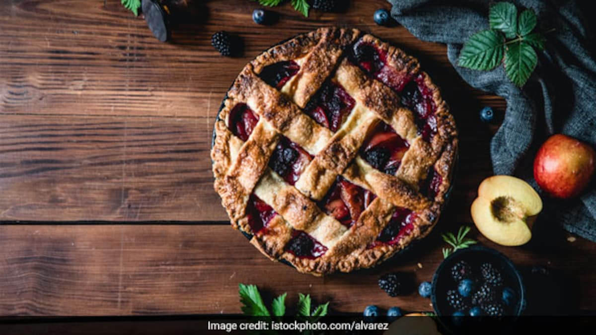 Photo of Wait, What? Padma Lakshmis Quick And Easy Pie Recipe Is Made With Lassi