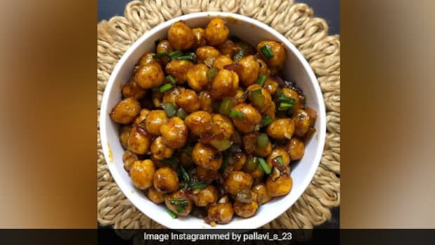 High Protein Snacks: How To Make Crispy Chilli Chana To Pair With Your Tea