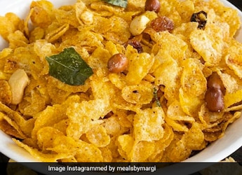 How To Make Crunchy Cornflakes Chivda - A Delicious Tea-Time Snack In Under 10 Minutes