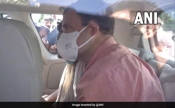'I'm With Them': Rahul Gandhi Meets Family Of Delhi Girl Allegedly Raped, Killed