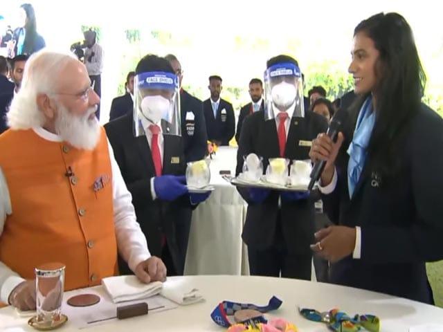 Video : PV Sindhu Finally Eats Ice Cream With PM Modi