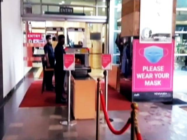 """Video : Maharashtra Malls To Close Again Over """"Fully Vaccinated Staff"""" Order"""