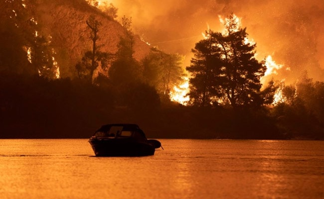 Blaze Sweeps Through Athens Suburbs In 5th Day Of Greece Wildfires