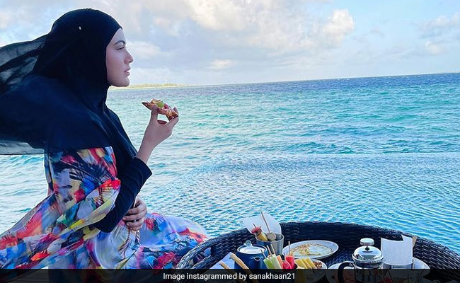 Sana Khan Is Living The Maldives Dream. Her Floating Breakfast Came With A 'Beautiful View'