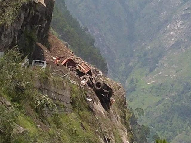 Video : 13 Dead In Himachal Pradesh Landslide, 25-30 Missing As Vehicles Trapped