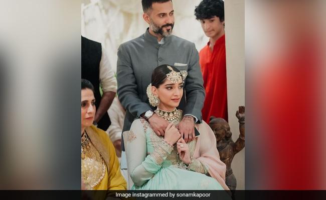 Sonam Kapoor Shares Her Photo Album From Sister Rhea's Wedding