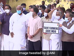 Rahul Gandhi, Other Leaders Join Farmers Protest At Delhi's Jantar Mantar