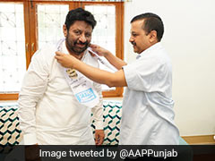 Former Chandigarh Congress Chief Pardeep Chhabra Joins Aam Aadmi Party