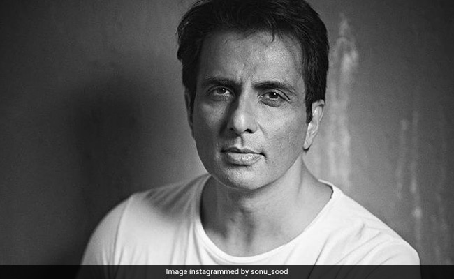 'Bas 1 Crore?': Sonu Sood's ROFL Reply To Man's Outlandish Request