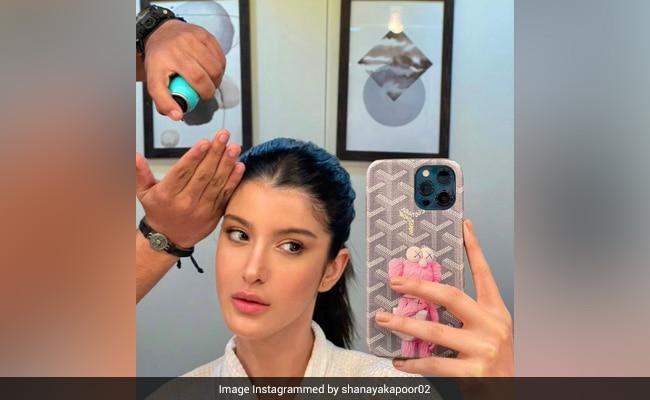 Maheep Kapoor Is All Hearts For This Pic Of Daughter Shanaya