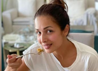 """""""You Guys Are The Bestest Cooks,"""" Says Malaika Arora As She Relishes A Delectable Meal"""