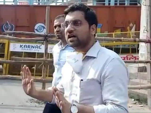 """Video : Haryana Officer Who Asked Cops To """"Crack Heads"""" Of Farmers To Face Action"""