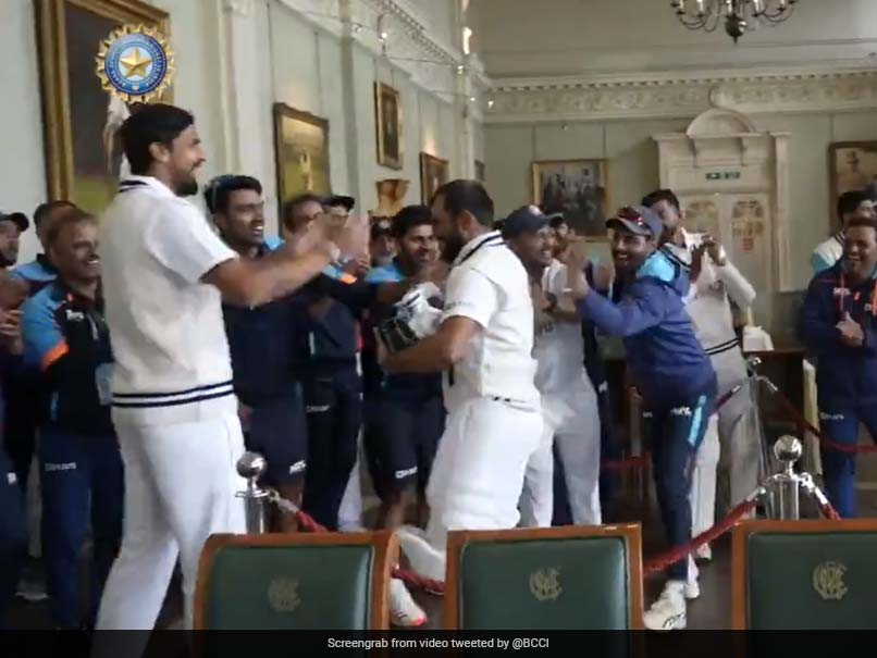 """Watch: Mohammed Shami, Jasprit Bumrah Get """"Rousing Welcome"""" From Teammates After Batting Heroics At Lords"""