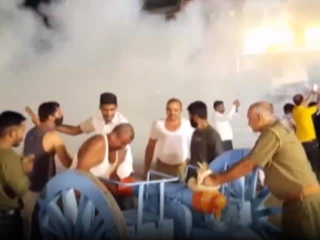 Video : Rajasthan Temple's Unique Janmashtami Celebration: A 21-Gun Salute
