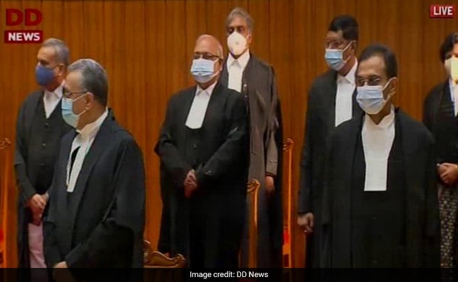 In A First, Nine Supreme Court Judges Take Oath In One Go - DSK
