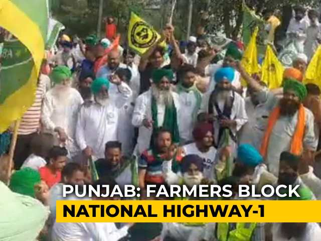 Video : Punjab Sugarcane Farmers Block Highway, Want Hike In State Purchase Price
