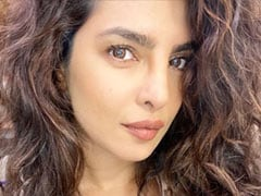 """""""You're Hot"""": Nick Is Smitten By Priyanka's New Pic From 'Citadel' Sets"""