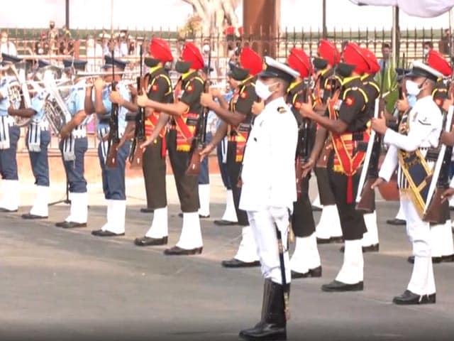 Videos : स्वतंत्रता दिवस समारोह से पहले लाल किले में फुल ड्रेस रिहर्सल