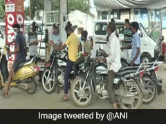 """Gujarat Petrol Pump's Free Fuel To All """"Neerajs"""" To Celebrate Olympic Gold"""