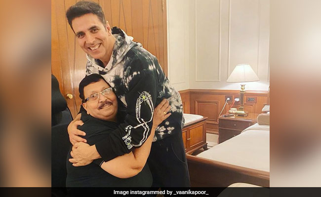 Bell Bottom: Dad's Fanboy Moment Is Why Vaani Kapoor Thinks Akshay Kumar Is A 'True Gem'