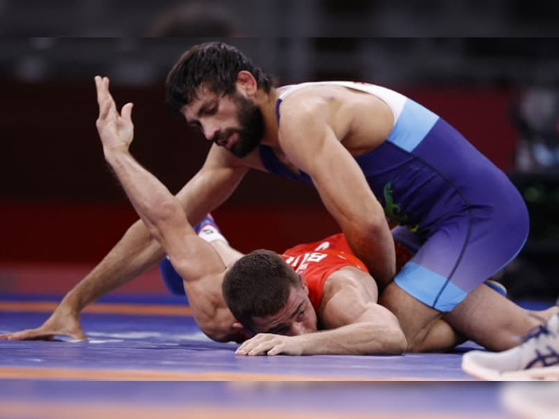 Ravi Dahiya Endures Bite By Nurislam Sanayev But Is Fine, Says Support Staff: Report