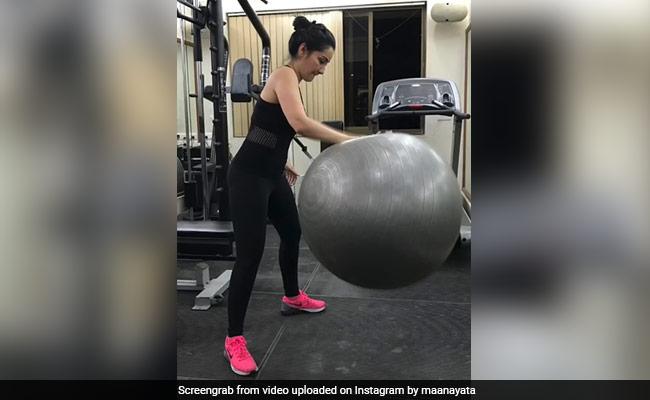 On Maanayata Dutt's Workout Post, Sanjay Dutt's Daughter Trishala Drops This Comment