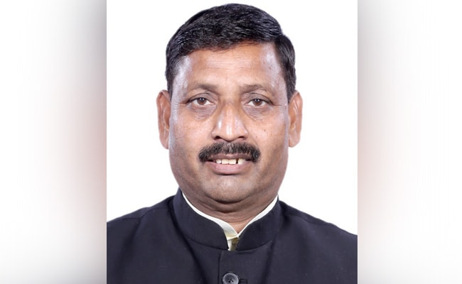Case Against BJP MP For Allegedly Misbehaving With Priests at Uttarakhand