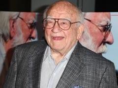 Ed Asner, Emmy-Winning Star Of <I>Up</i>, Dies At 91