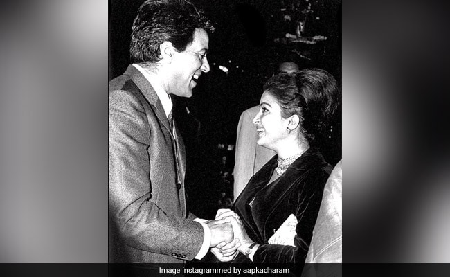 Dharmendra's Pic From First Meeting With First Ever Co-Star Kamini Kaushal Goes Viral
