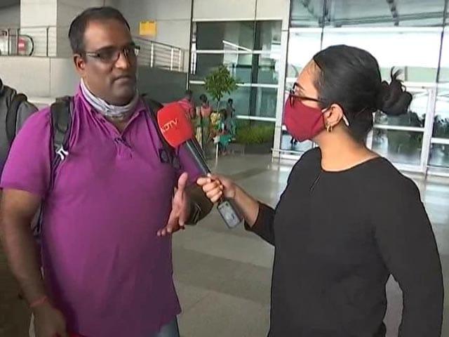"""Video : """"Big Mess"""": Bengaluru Man Recounts Kabul Airport Situation"""