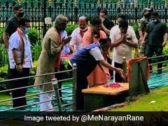 """Shiv Sena Workers """"Purify'' Bal Thackeray Memorial After Narayan Rane Visit"""