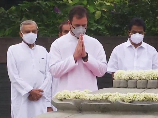 Video : Tributes Pour In On Rajiv Gandhi's Birth Anniversary At Veer Bhumi