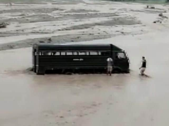 Video : Police Van With Prisoners Gets Stuck In Flash Floods In Uttarakhand