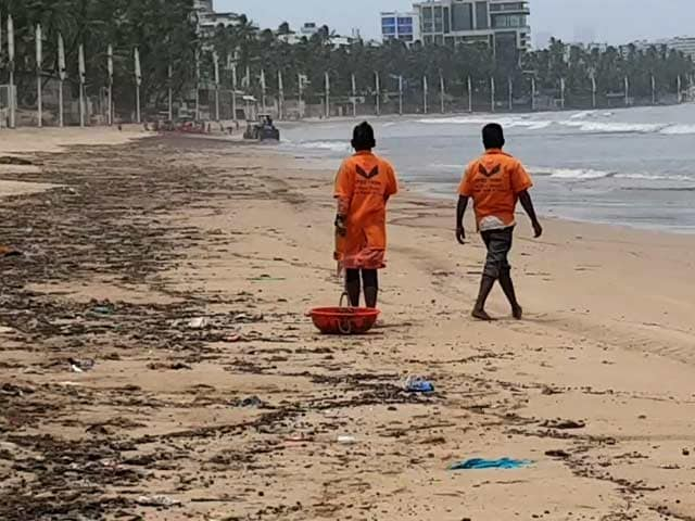 Video : Sand Turns Black At Mumbai's Juhu Beach, Cleaning Ops Underway